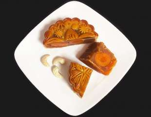 Appreciating the Moon: 5 Places to Get Your Mooncakes